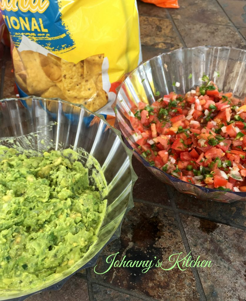 salsa-and-guacamole