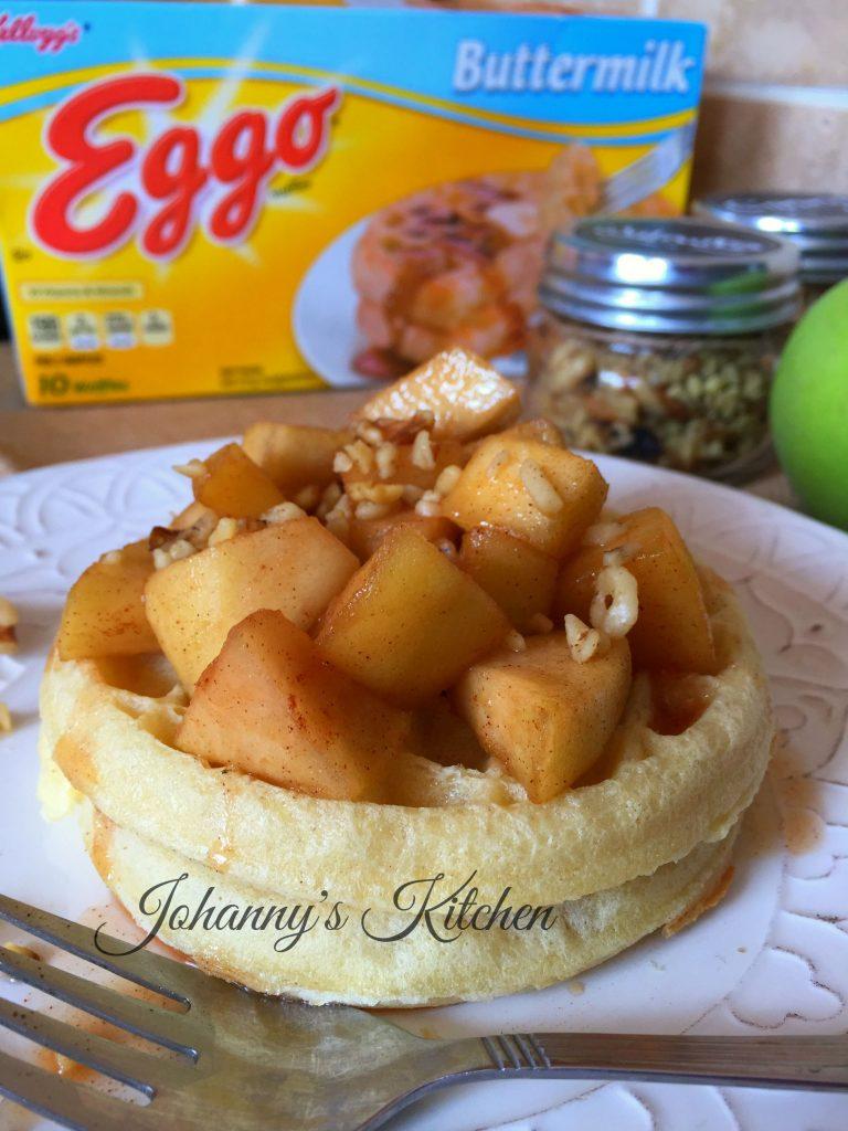 eggo-waffles-apple-breakfast