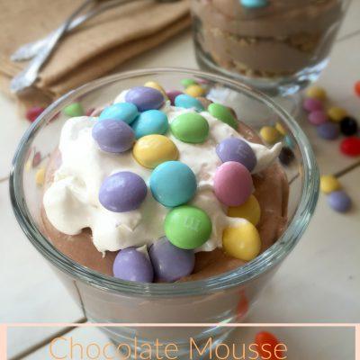 celebrate Pascua: Chocolate mousse parfait with M&M's®