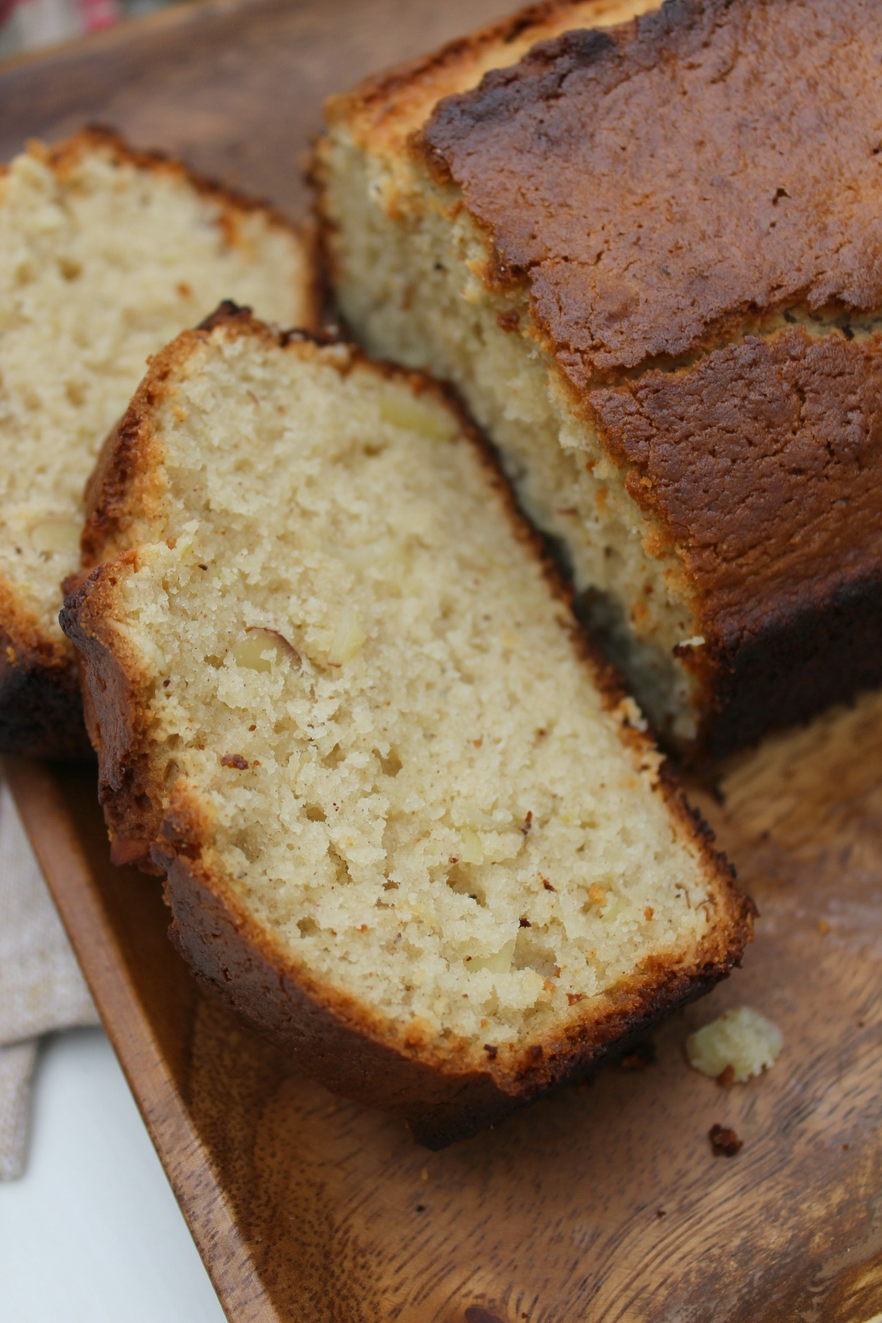 apple-almond-loaf-bread