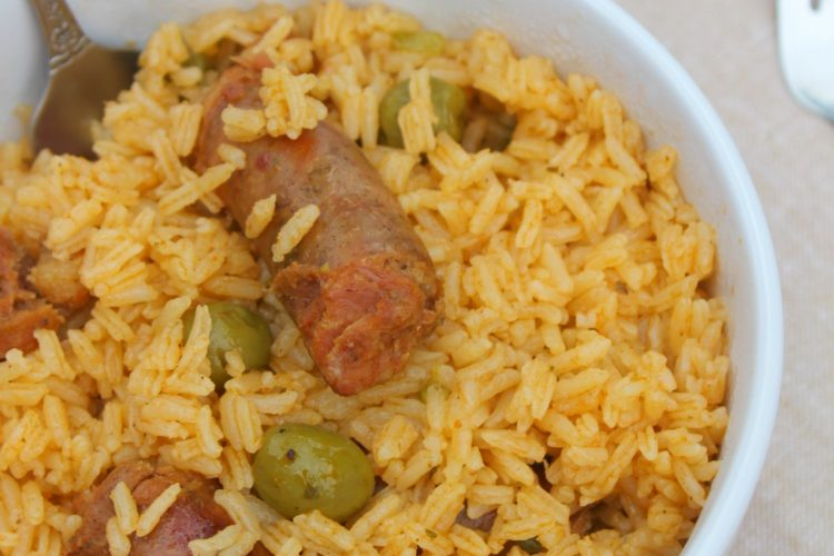 Locrio de longaniza (Rice with Pork Sausage)