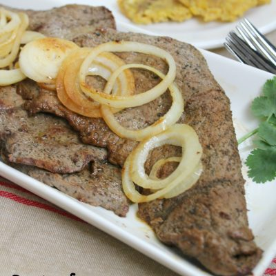Bistec encebollado ( Beef with onions)
