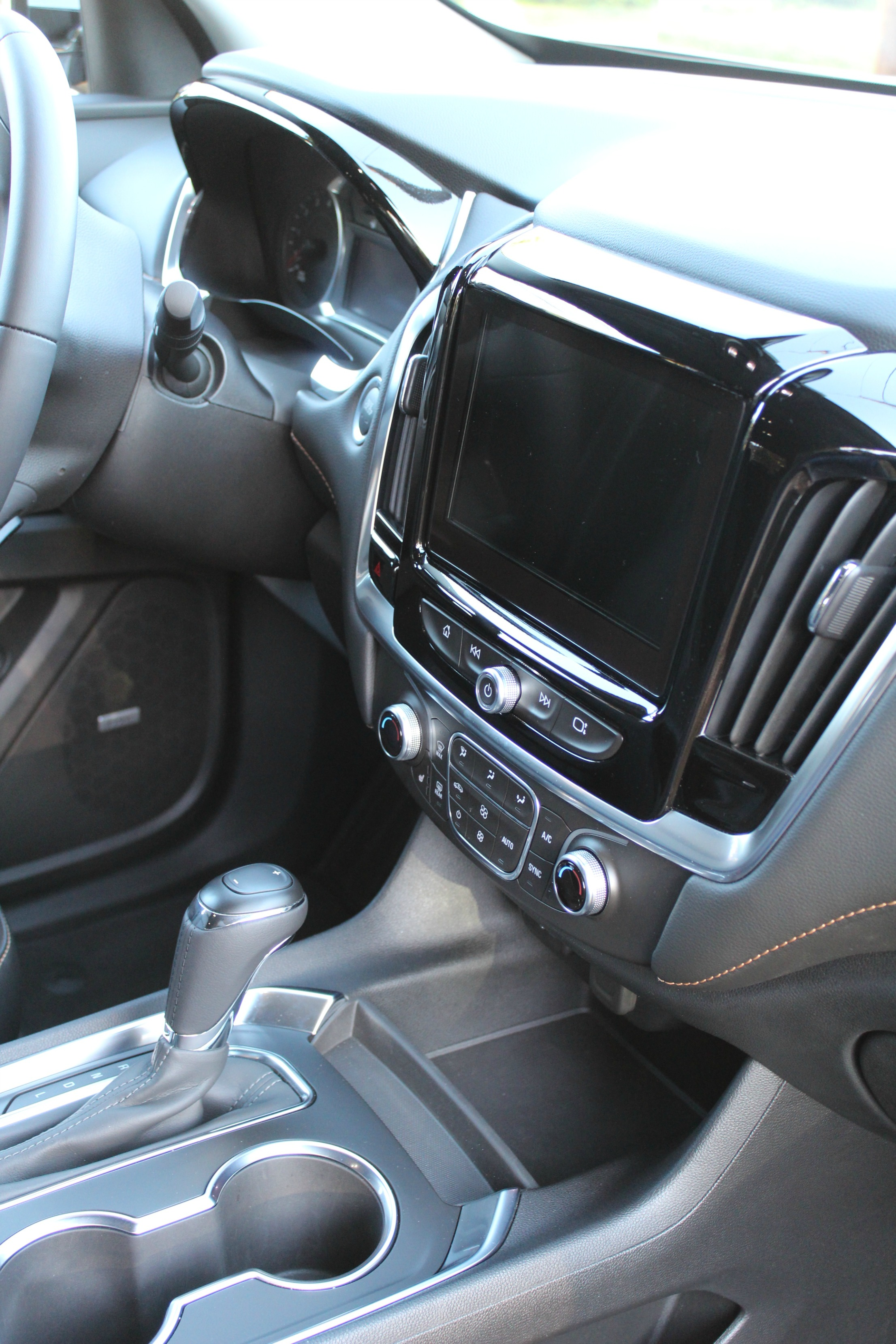 chevy traverse interior stunning all chevy chevy traverse ltz car picker chevrolet traverse. Black Bedroom Furniture Sets. Home Design Ideas